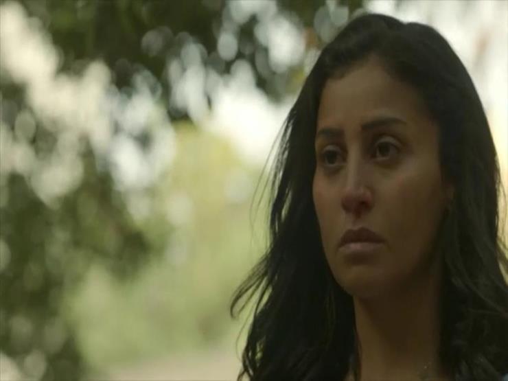"""الحلقة 6 مسلسل زي الشمس .. دينا الشربيني تطارد أحمد مالك في """"المقابر"""" (تفاصيل)"""