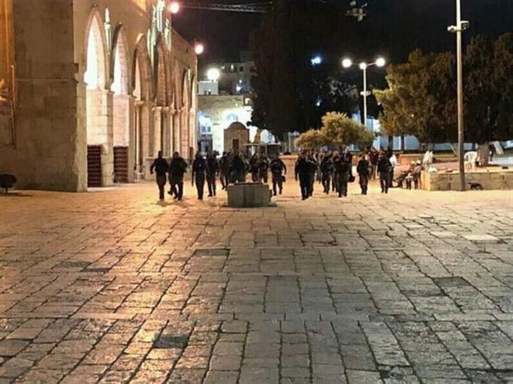 """الاحتلال الإسرائيلي يطرد المعتكفين بـ""""الأقصى"""" لليلة الثالثة على التوالي"""