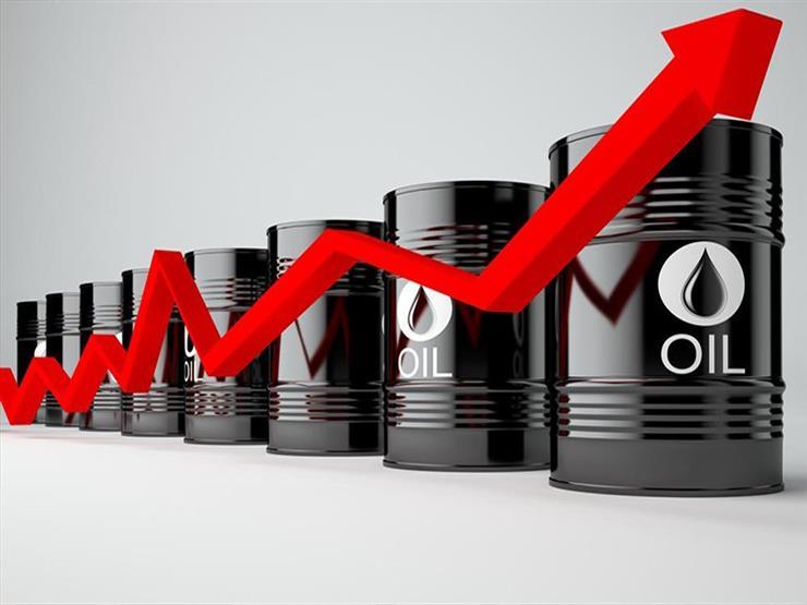 أسعار النقط تقفز 1% بعد استهداف محطتين لضخ البترول بالسعودية