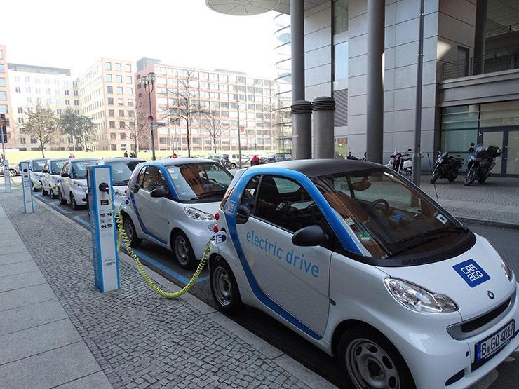 """كيف تعمل مصر على توطين صناعة """"السيارات الكهربائية"""" عبر بوابة الصين؟"""