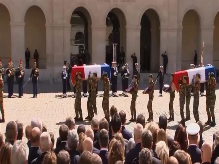 فرنسا تقيم مراسم تأبين لاثنين من أفراد الكوماندوز الذين قتلوا أثناء إنقاذ رهائن في بوركينا فاسو