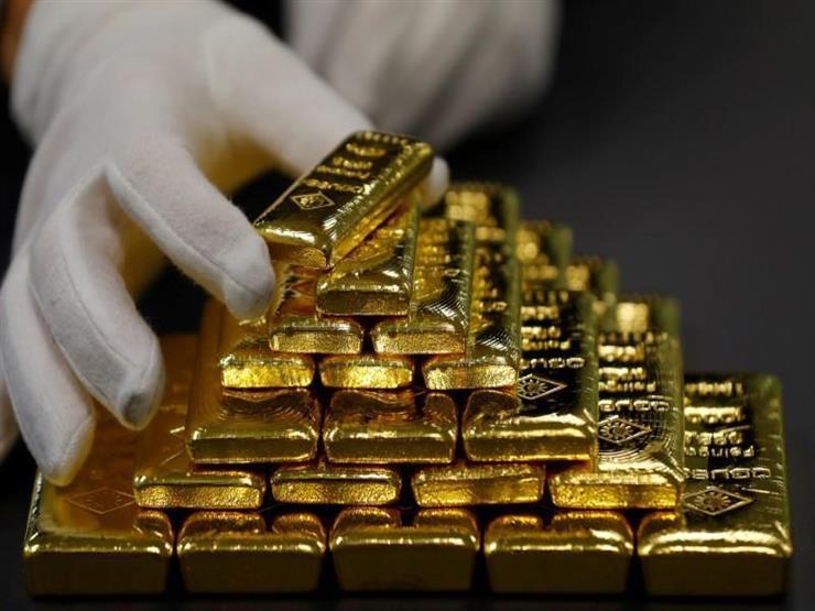 الذهب يهبط عن ذروة شهر بفعل آمال محادثات التجارة الأمريكية الصينية