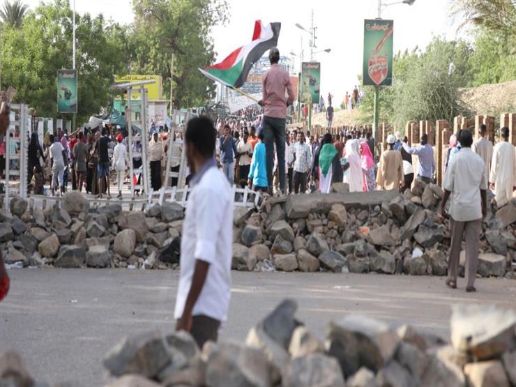 """تفاصيل أزمة """"المتاريس"""" بين المجلس العسكري والمعارضة في السودان"""