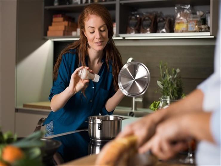 """""""مترميش الأكل"""".. حيل سهلة للتخلص من الملح الزائد في الطعام"""