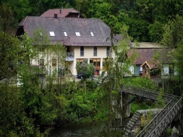 ألمانيا: قتيل السهام زعيم جماعة سرية تستعبد النساء