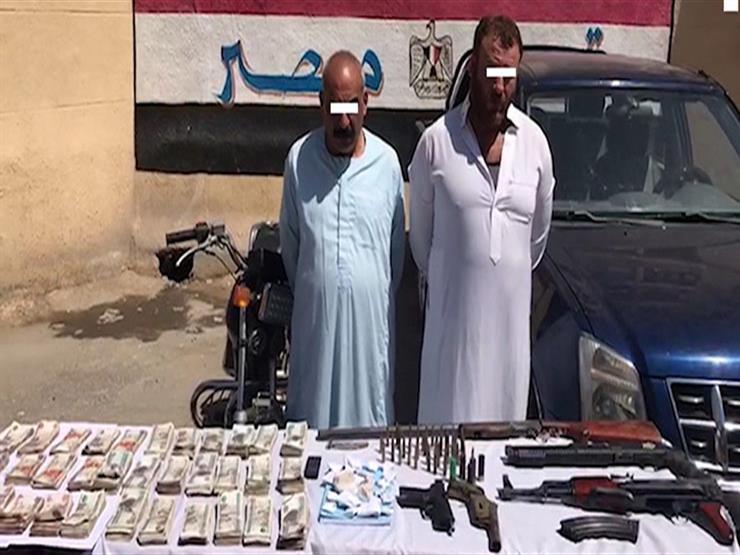 بكيلو هيروين وترسانة أسلحة.. سقوط عنصرين إجراميين بكفر الشيخ