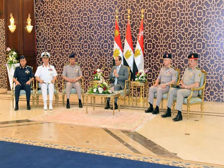 متحدث الرئاسة ينشر فيديو للقاء السيسي وقادة القوات المسلحة   مصراوى