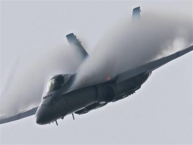 تحطم مقاتلة إف 16 في مستودع بولاية كاليفورنيا الأمريكية