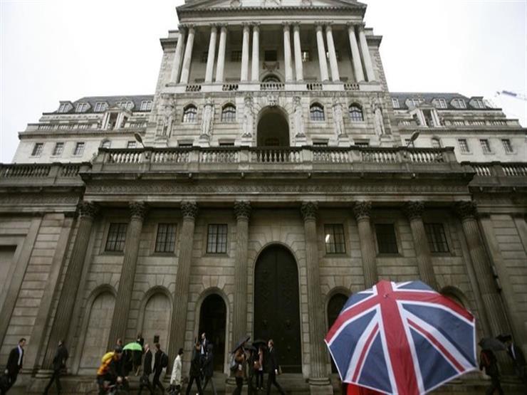 بنك إنجلترا يرفع توقعات النمو ويبقي سعر الفائدة دون تغيير