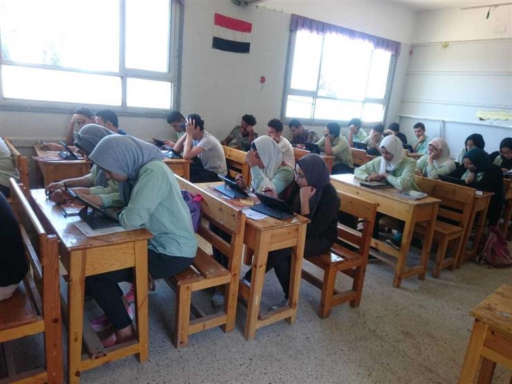 تعليم الإسماعيلية: 98% من طلاب أولى ثانوي اجتازوا امتحان الأحياء على التابلت