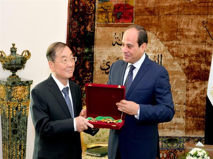 الرئيس السيسي يمنح السفير الصيني وسام الجمهورية من الطبقة الأولى