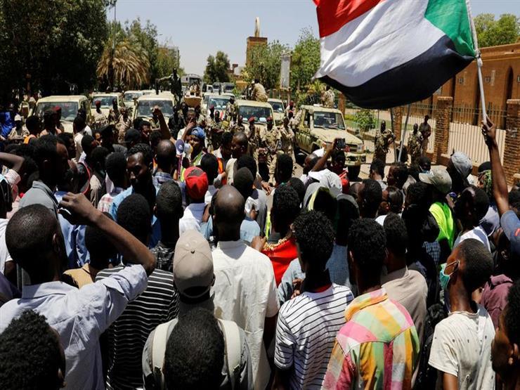 شهود: سماع دوي إطلاق رصاص بمحيط منطقة الاعتصام بوسط العاصمة السودانية