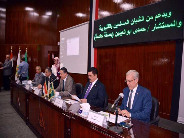 محافظ القليوبية يشارك في حفل تكريم خريجي مبادرة صنايعية مصر بجامعة بنها