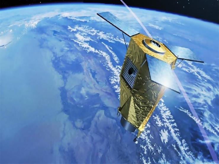 الهند تطلق قمرا اصطناعيا لمراقبة الكرة الأرضية