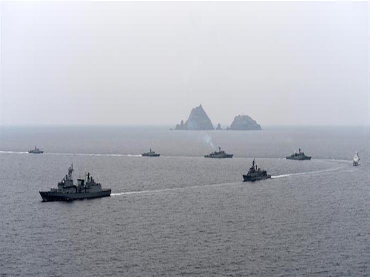 كوريا الجنوبية واليابان تشاركان في مناورات بحرية بالمحيط الهادئ بقيادة الولايات المتحدة