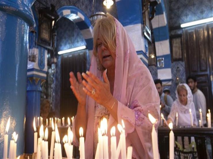 """جربة تونس: حج إلى كنيس """"غريبة"""" .. دين وسياحة وسياسة"""