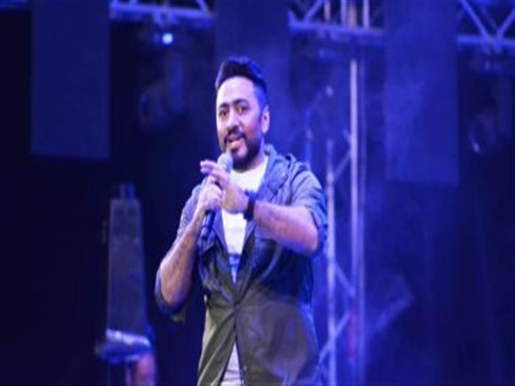 """تامر حسني يبدأ الترويج لحفل """"ليالي العاصمة"""" بالتجمع 7 يونيو"""
