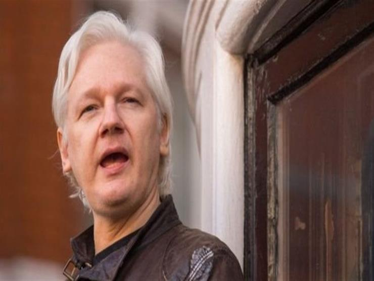 الولايات المتحدة تتهم أسانج بنشر معلومات سرية