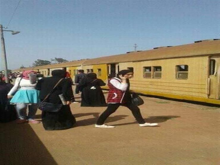 تعطلت الحركة وتأخر الطلاب عن امتحاناتهم..ماذا حدث في قطار كفر الشيخ؟