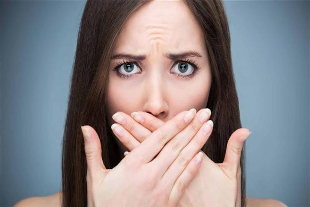 10 أسباب لرائحة الفم الكريهة.. تخلص منها بهذه الطرق