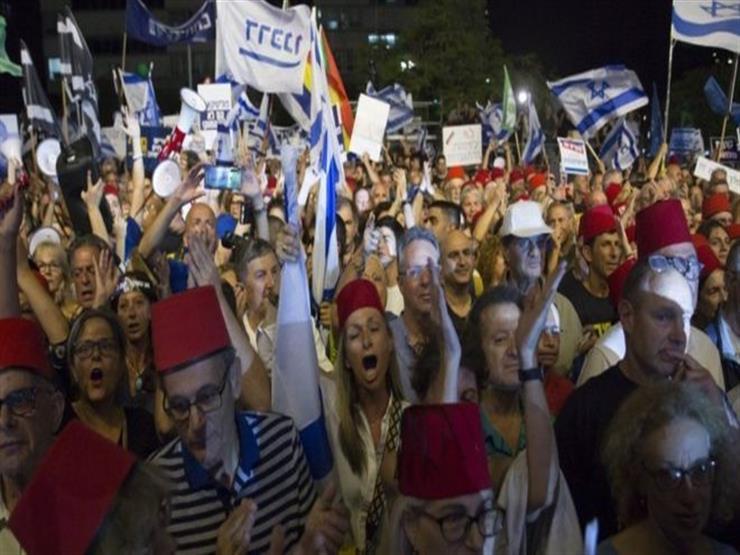 """مظاهرات إسرائيل: آلاف يحتجون على """"تحصين نتنياهو من التقاضي"""""""
