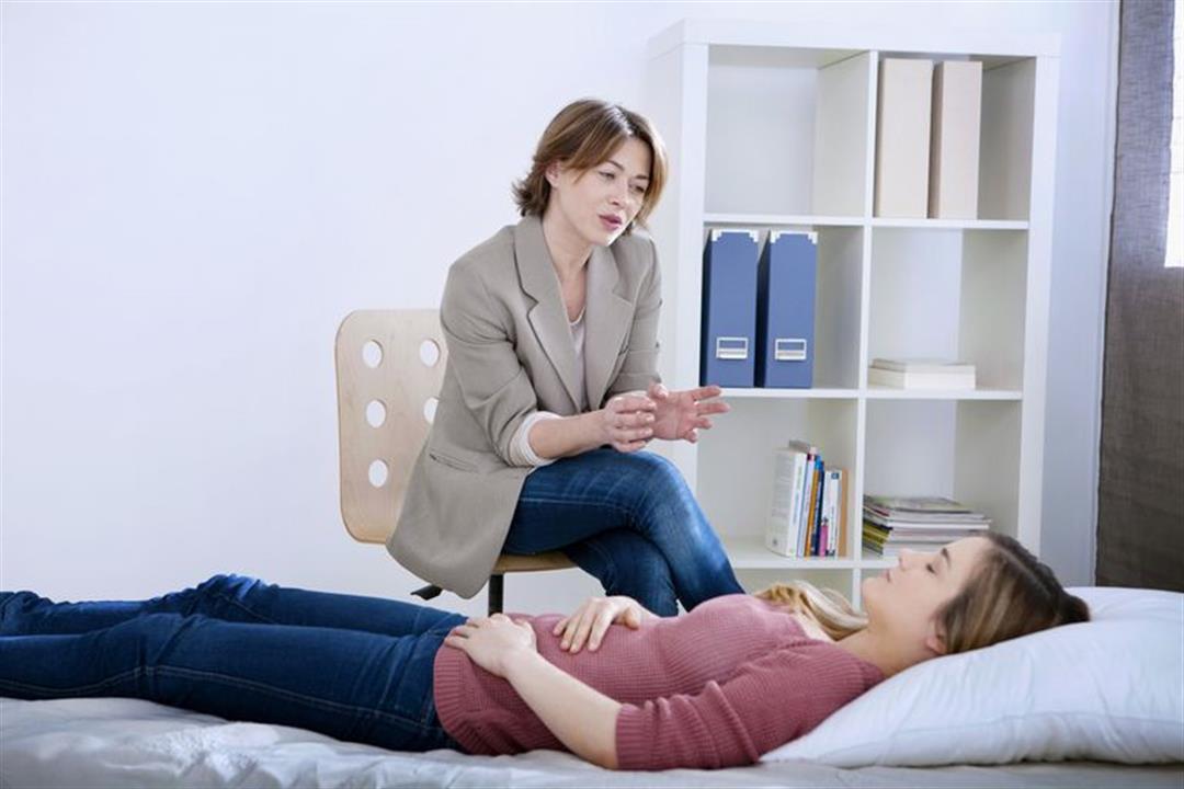 يعالج بعض الأمراض.. هل يتحكم التنويم المغناطيسي في تصرفاتك؟
