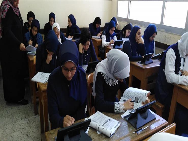 """مؤتمر صحفي بـ""""التعليم"""" لكشف تفاصيل الامتحانات الإلكترونية للأول الثانوي"""