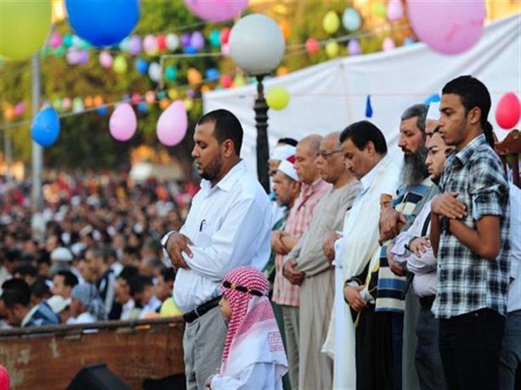 لماذا نصلي العيد على السنة ونصلي باقى الصلوات على المذاهب الأربعة؟