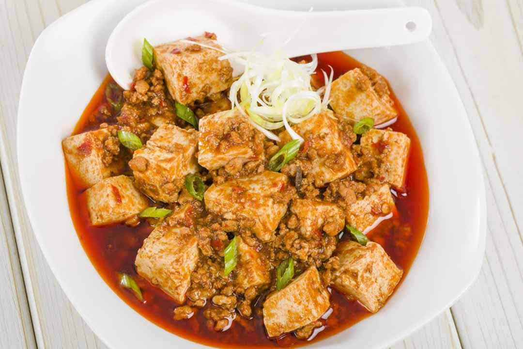 مكعبات الدجاج بصوص الصويا..  وجبة صحية لمائدتك الرمضانية