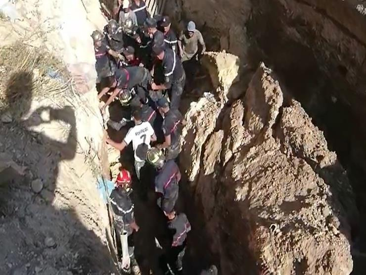 بحث عن الثراء فدفع حياته الثمن.. انتشال جثة عامل من حفرة بعمق 12 مترا بالصف