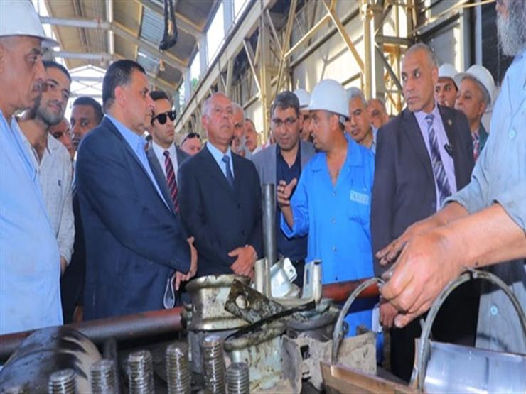وزير النقل يتابع صيانة الجرارات والتجهيز اليومي لعربات الركاب بورش الفرز للسكك الحديدية