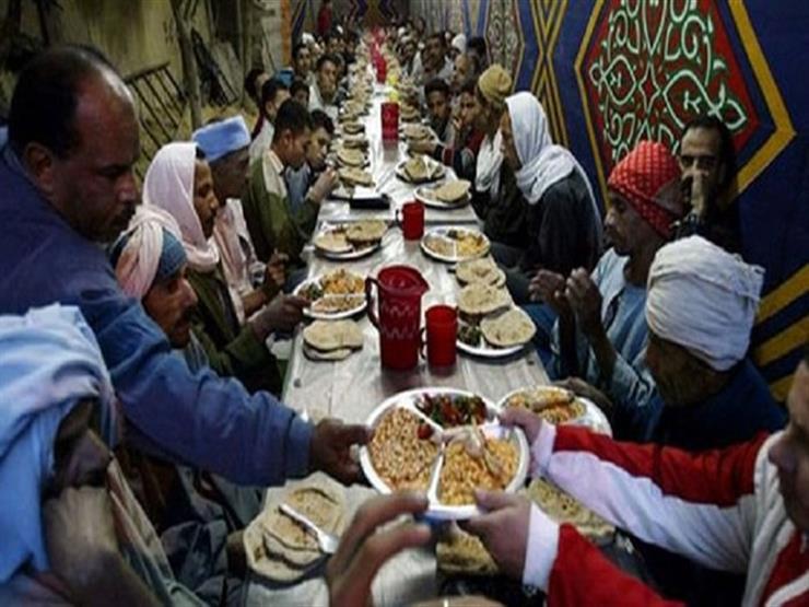 """بين الوحدة والذكريات.. حكايات البعيدين عن """"لمة العيلة"""" على فطار رمضان"""