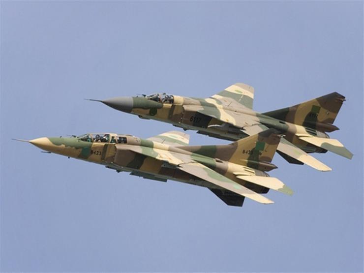 قوات حفتر تشن غارات على أهداف قرب طرابلس