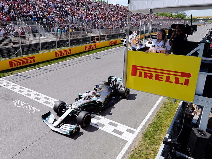 هاميلتون يحافظ لمرسيدس على العلامة الكاملة ويفوز بسباق فورمولا-1 الكندي