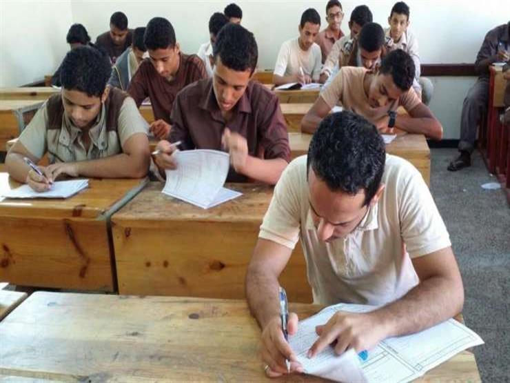 طالب يمزق ورقة الإجابة في امتحان الديناميكا للثانوية العامة بكفر الشيخ