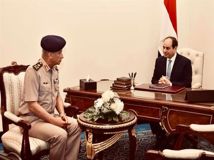 السيسي يجتمع بوزير الدفاع.. ويشيد ببطولات القوات المسلحة