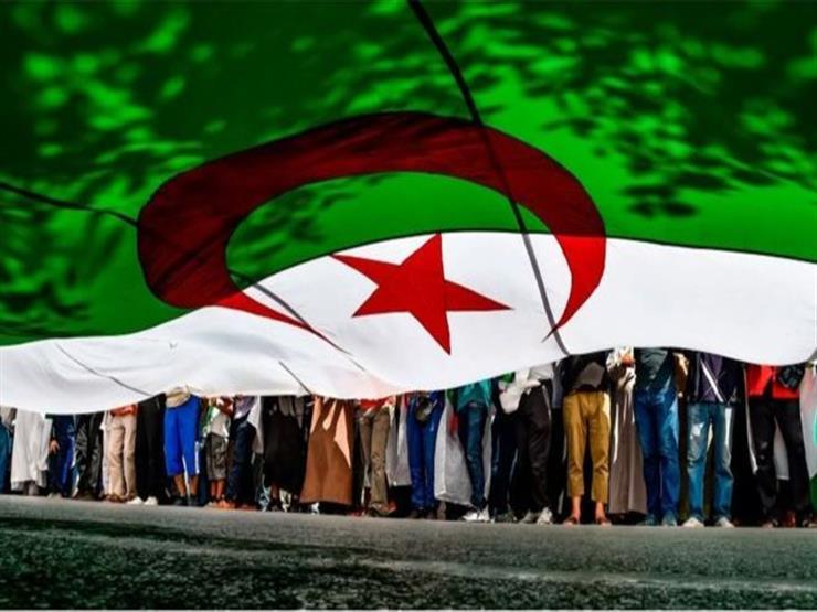 """فاينانشيال تايمز: مظاهرات الجزائر """"بارقة أمل لانتقال سلمي للسلطة"""""""