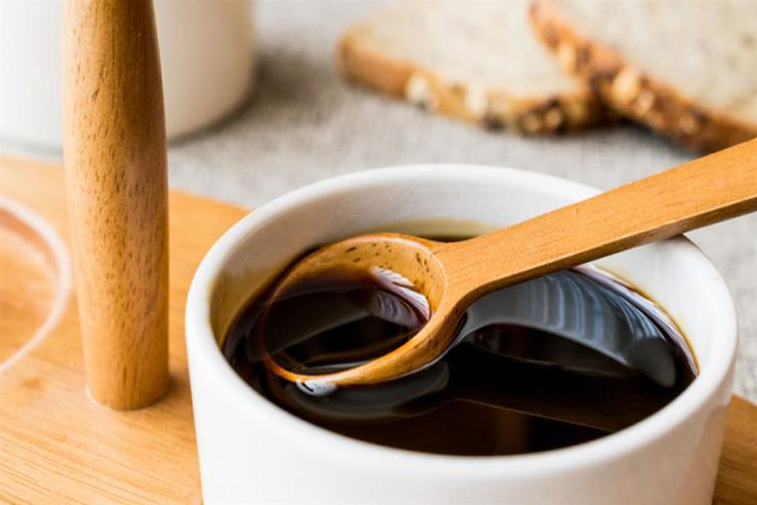 لمرضى الأنيميا.. هل تناول العسل الأسود بالخبز البلدي يقلل من فوائده؟