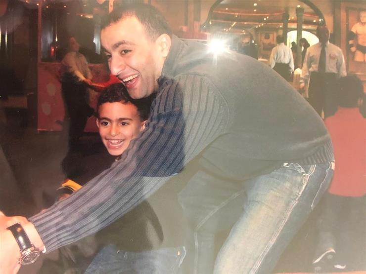 ياسين السقا يستعيد ذكرياته بصورة مع والده
