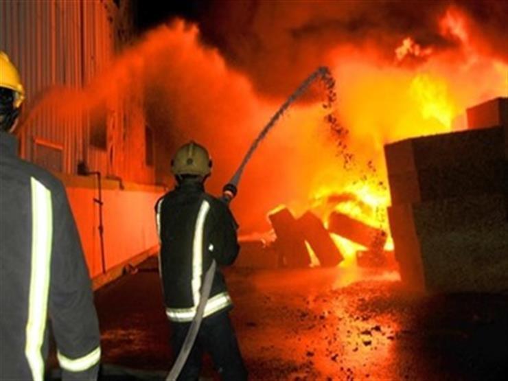 حريق في معرض موبيليات من 5 طوابق بسوهاج