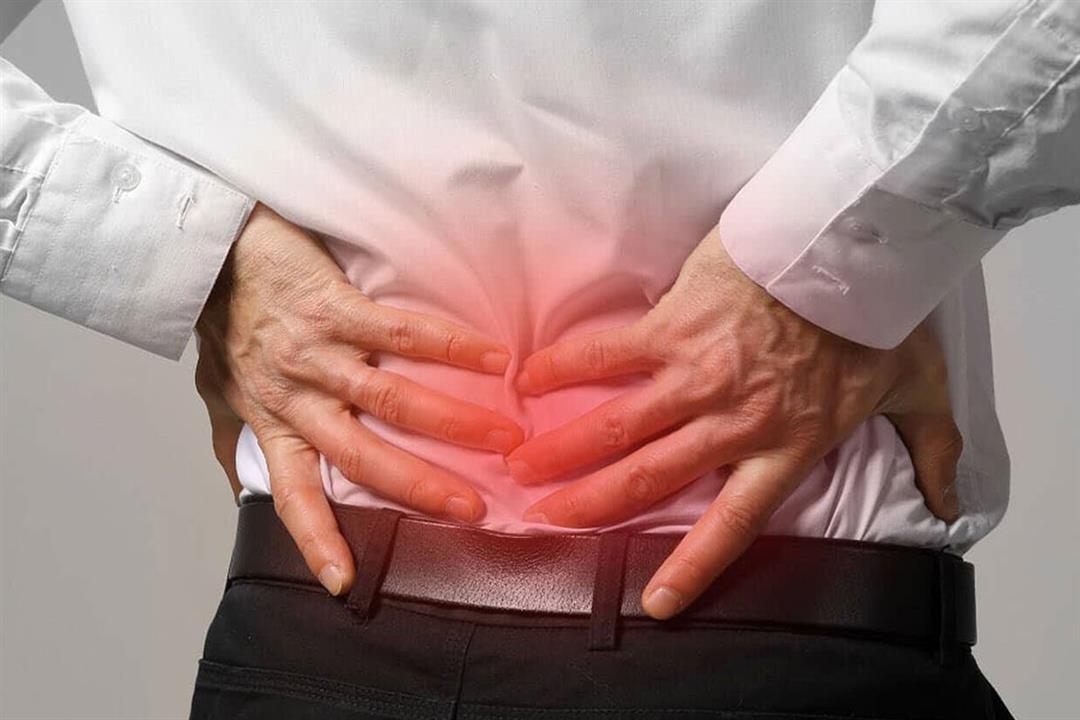 تعاني من آلام أسفل الظهر وعند الخصيتين؟.. قد تكون مصاب بهذه الأمراض