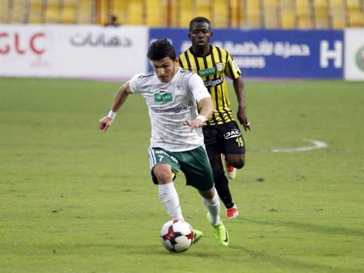 أول رد من الأهلي حول التعاقد مع لاعب المصري