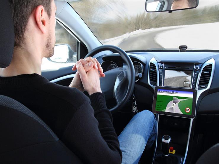 """""""هواوي"""" تعلن دخولها عالم السيارات ذاتية القيادة خلال عامين"""