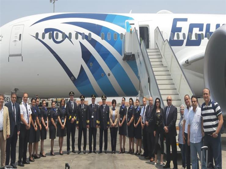 طائرة الأحلام الثالثة تصل مطار القاهرة