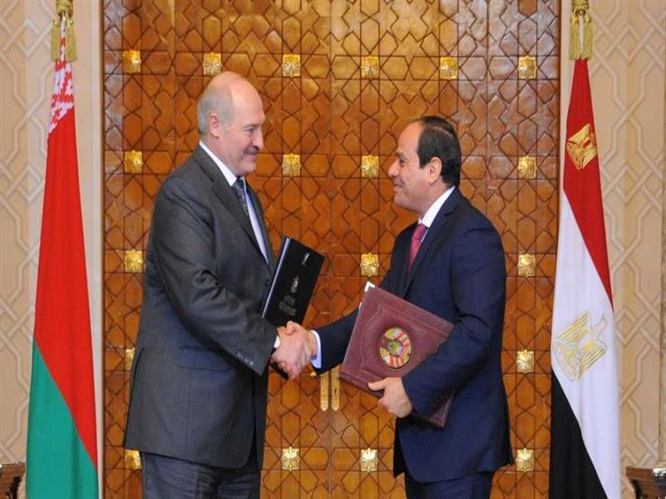 الرئيس البيلاروسي يقلد الرئيس السيسي وسام صداقة الشعوب