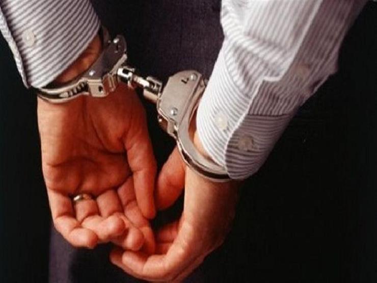 """القبض على مسؤول بـ""""محلي طوخ"""" بتهمة إصدار تراخيص بناء مزورة"""