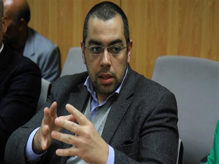 برلماني يطالب الحكومة بتعيين العاملين المؤقتين