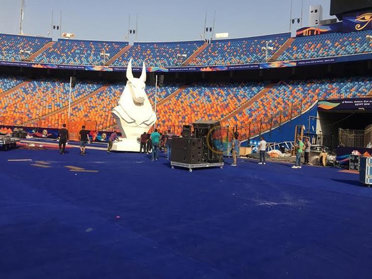 """مصراوي يحاور نحات """"أنوبيس"""" وتماثيل افتتاح الأمم الأفريقية"""