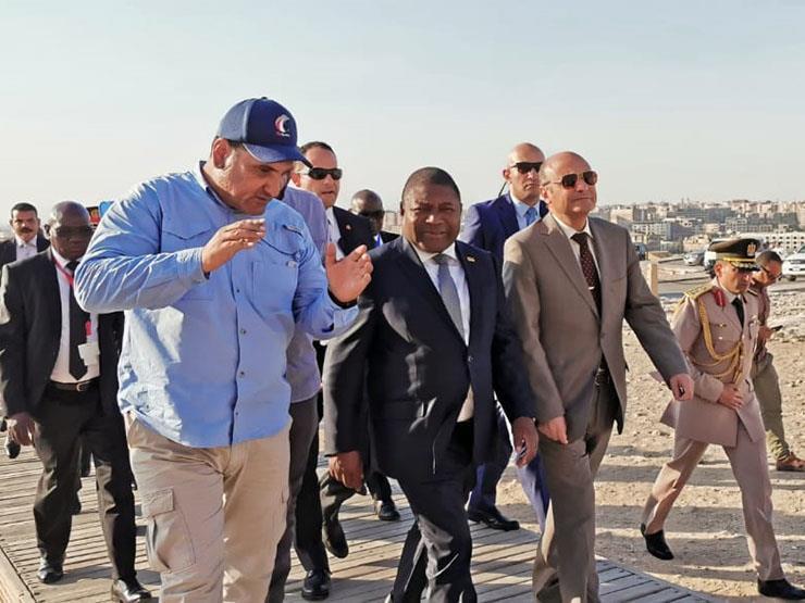 رئيس موزمبيق يزور معبدي الأقصر والكرنك