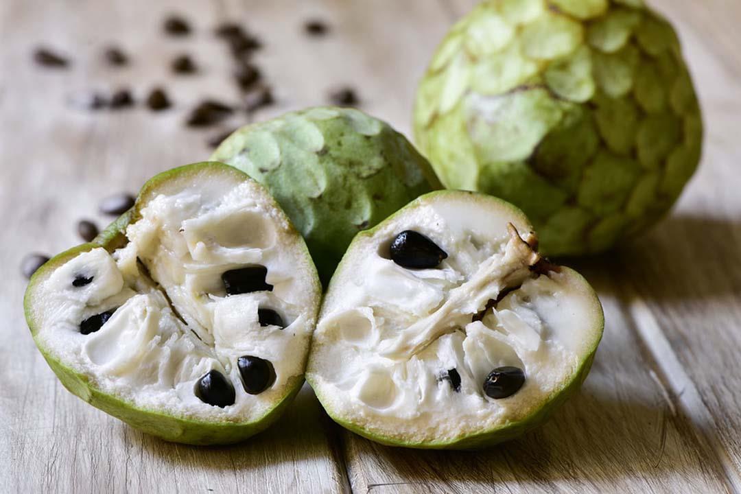 مفيدة لمرضى السكري.. 10 فوائد لا تتوقعها لفاكهة القشطة